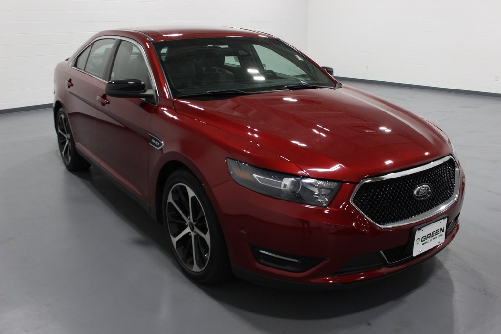 Pre-Owned 2015 Ford Taurus SHO