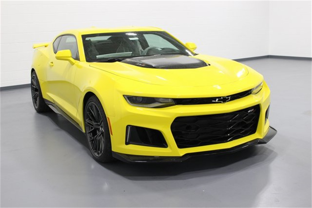 new 2018 chevrolet camaro zl1 2d coupe in quad cities. Black Bedroom Furniture Sets. Home Design Ideas