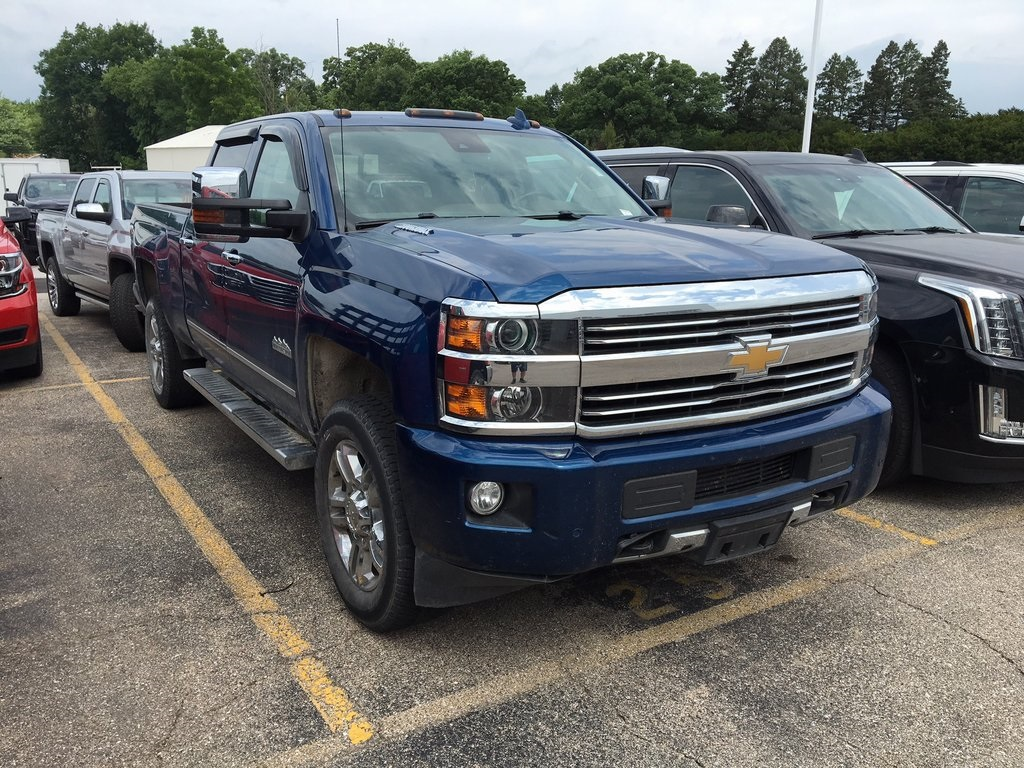 Pre-Owned 2016 Chevrolet Silverado 2500HD High Country