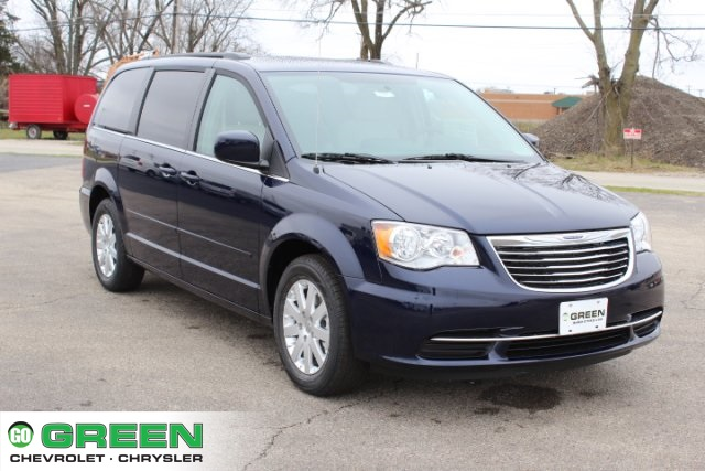 New 2016 Chrysler Town & Country LX 4D Passenger Van in