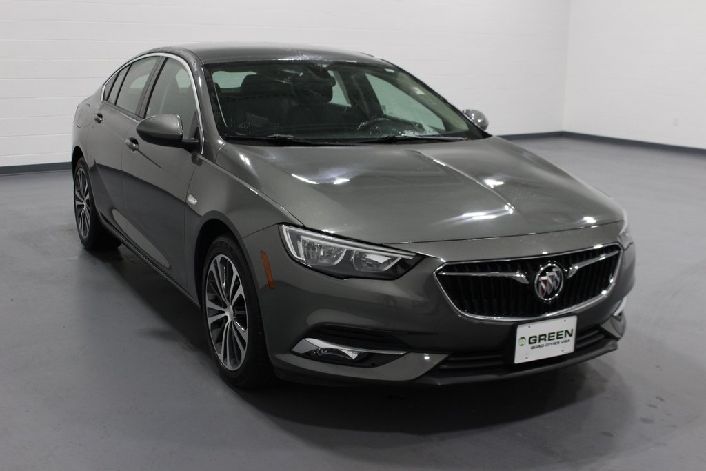 Pre-Owned 2018 Buick Regal Essence